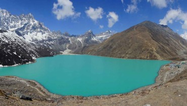 Gokyo Lake and Everest Circuit Trek – 18 Days